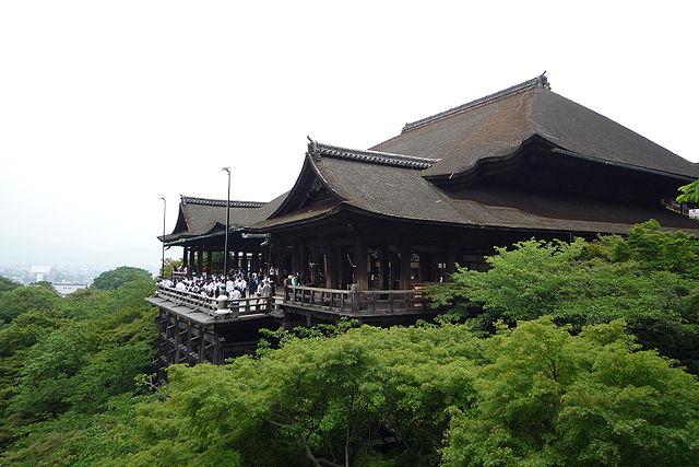 640px-Kiyomizu-dera_in_Kyoto